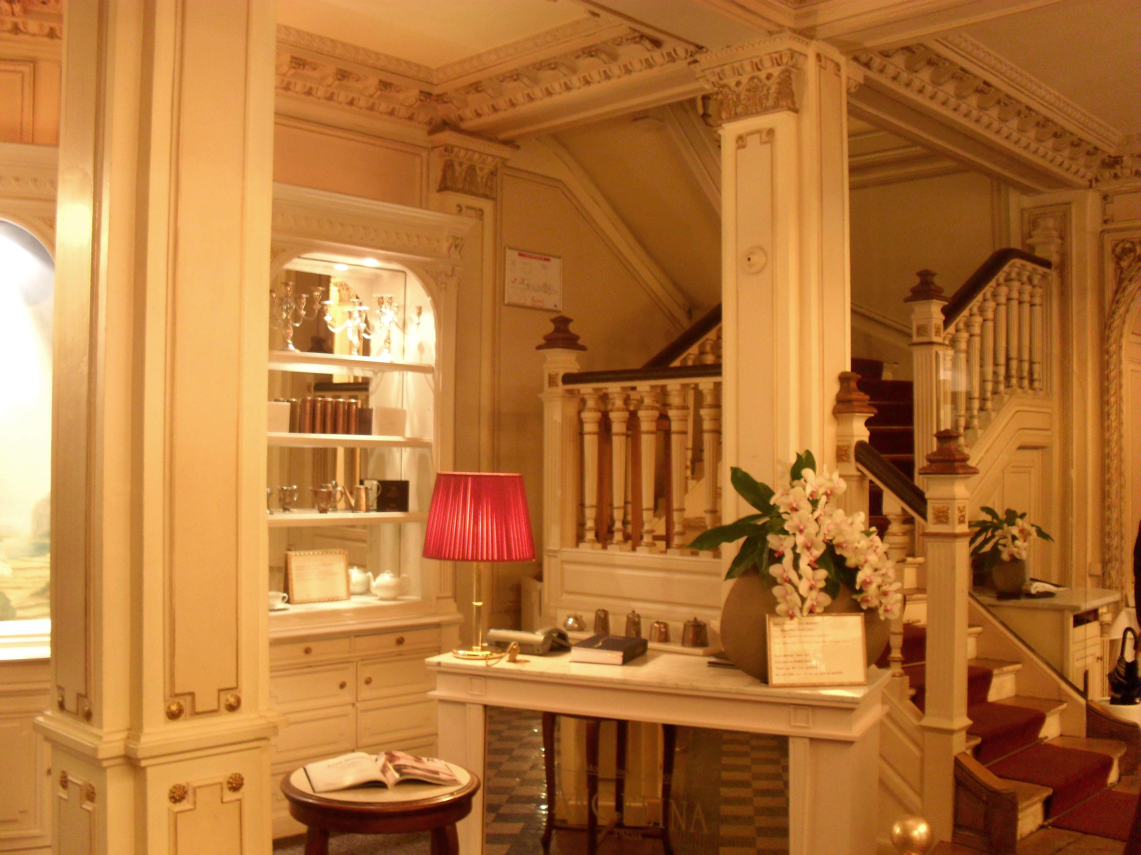 Eating out in paris jolie paris - Salon de the angelina paris ...